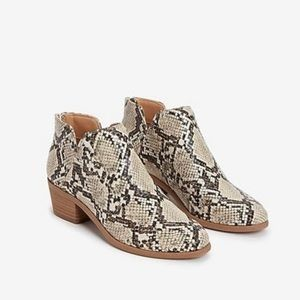 EXPRESS Faux Snake Skin Pattern Ankle Booties